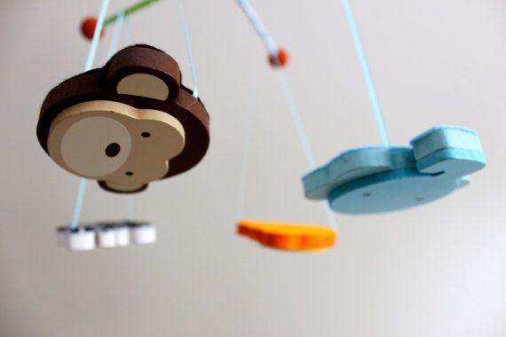 Unique Nursery Mobile  Best Baby Crib Mobile  di BabyBrightEyes, $57.00