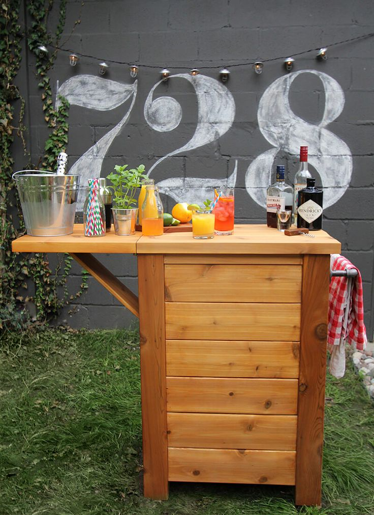 32 DIY Outdoor Bars that are Easy