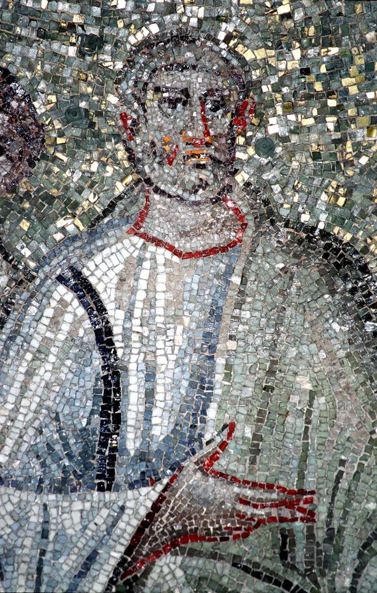 Cappella di Sant'Aquilino, basilica di San Lorenzo, Milano. Cristo con gli apostoli. Traditio legis. SAN PIETRO. Il mosaico della fine del V secolo. Forse del periodo teodoriciano