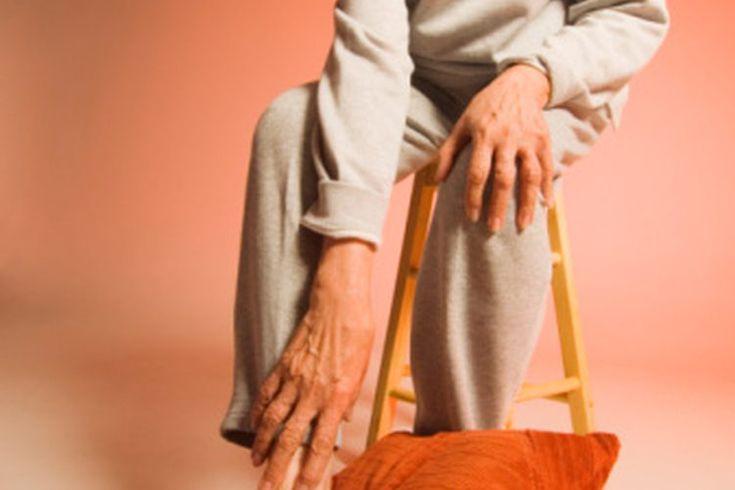 Ejercicios para mejorar la neuropatía . La neuropatía, o neuropatía periférica, se caracteriza por sensaciones dolorosas de ardor, entumecimiento u hormigueo en las manos y/o los pies debido a un daño en los nervios. Varias afecciones y enfermedades pueden causar neuropatía periférica, incluyendo ...