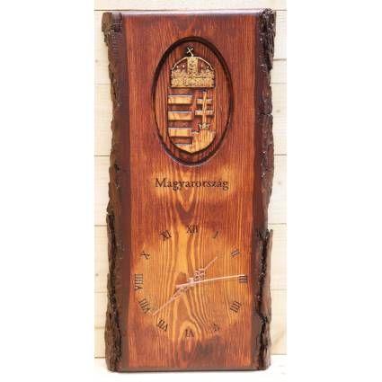 Faóra Magyarország címerével. Anyaga Borovi fenyő, mérete kb.20x50 cm