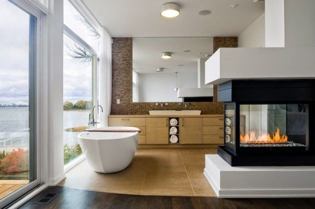 decoración baño con chimenea