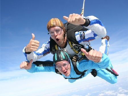 Tandem Skydive Kent Tandem Skydiving over Headcorn Airfield is the ideal choice for those living close to London, as the picturesque countryside centre is only around 45 minutes from the centre of our Capital City - mixi http://www.MightGet.com/january-2017-11/tandem-skydive-kent.asp