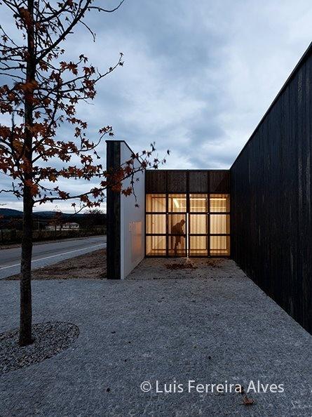 Souto de Moura > Centro Cultural Miguel Torga en Portugal | HIC Arquitectura