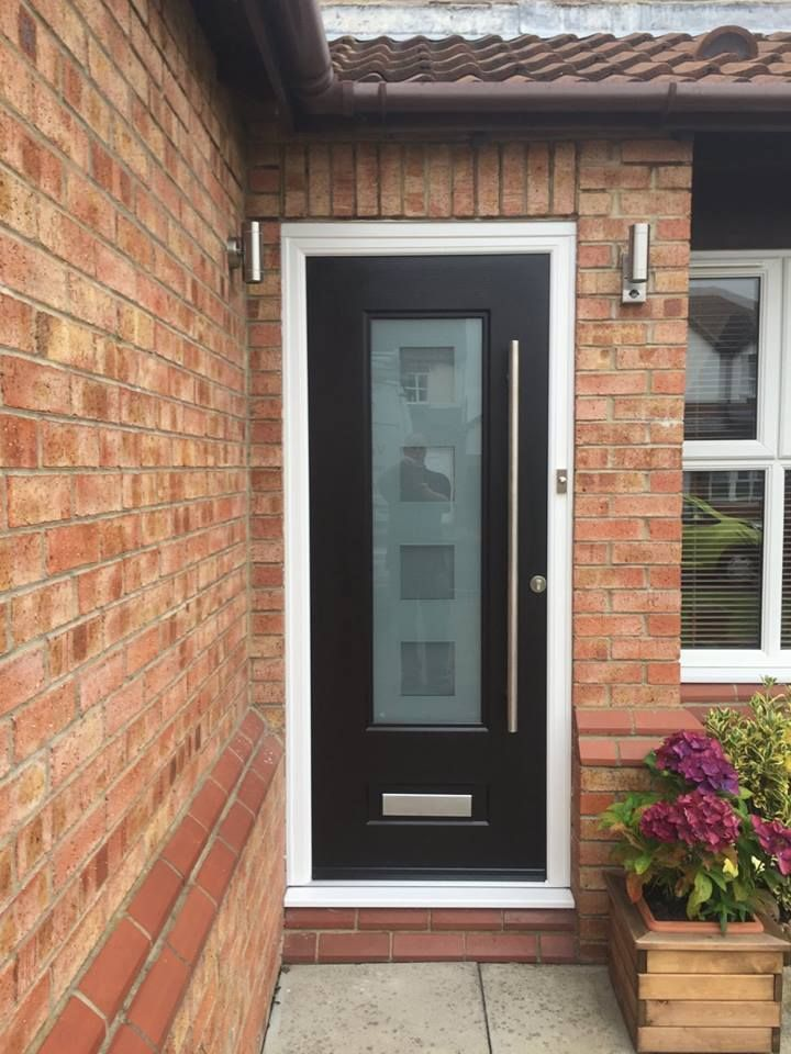 How About A Black Rockdoor Composite Door Check Out This Vogue With Bar Handle Compositedoor Front Pinterest Cube