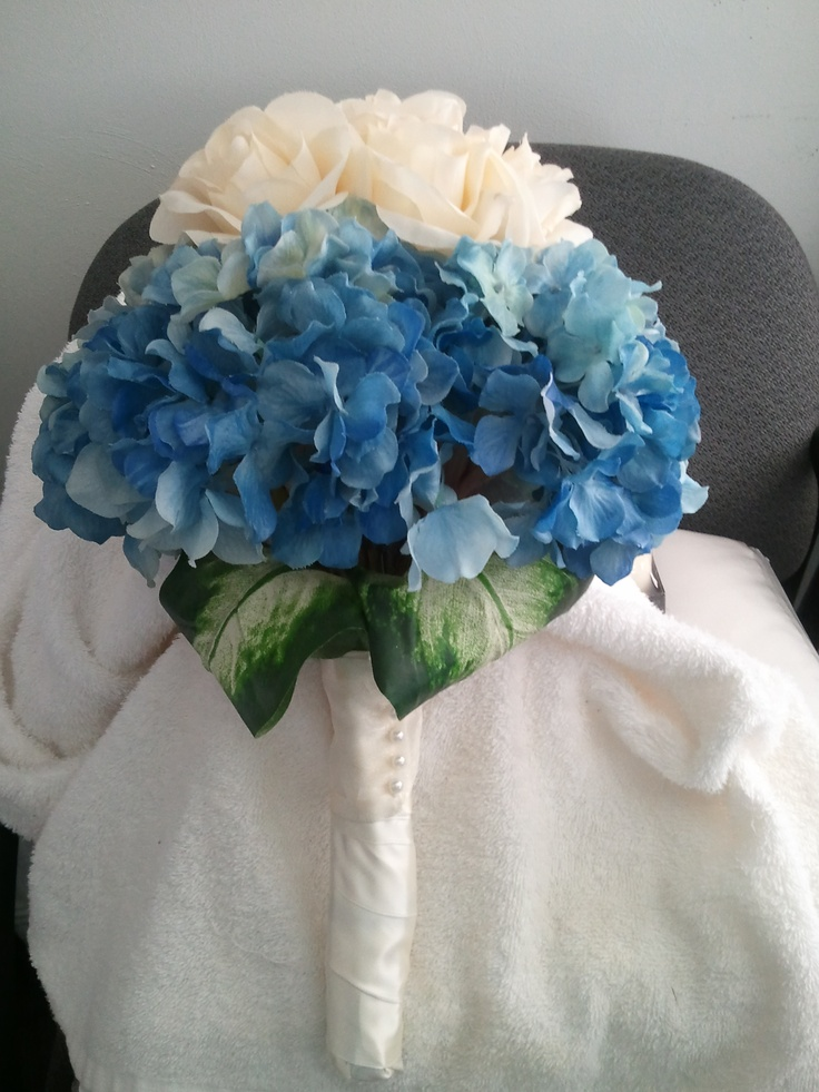 Bouquet by florists at Weddings By Nicole