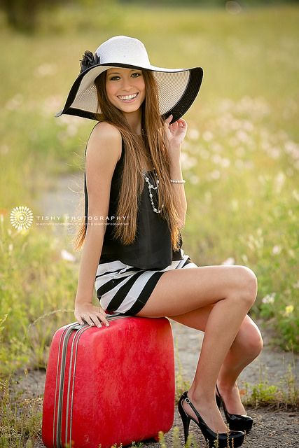 Tishy Photography {senior photographer} | Flickr - Photo Sharing! Senior Photography, Props, Suitcase, Austin, Texas, Beaumont