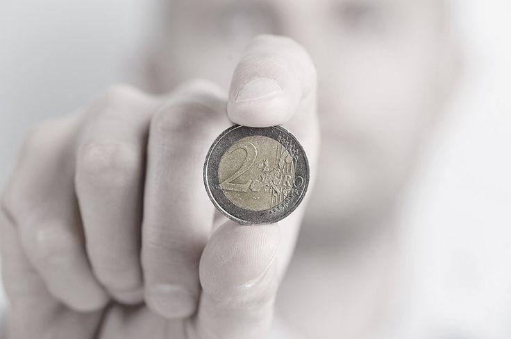 """Der Generalsekretär des Wirtschaftsrats, Wolfgang Steiger, will statt neuer Rentenleistungen die private Altersvorsorge stärken. """"Der Höchstbetrag der Förderung der Riester-Rente sollte von 2.100 auf 3.000 Euro jährlich steigen"""", sagte der Vertreter des CDU-Wirtschaftsflügels der """"Rheinischen Post"""" (Samstagausgabe). Entsprechend sollten auch die Steuerfreibeträge dafür und für die private und betriebliche Altersvorsorge angehoben werden."""