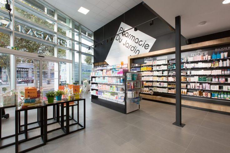 Adresse : 80 Boulevard François Mitterrand 63 000 Clermont-Ferrand Superficie : 270 m² Concept : La petite pharmacie des Salins devient la pharmacie du jardin en passant dans un local de 270 m2