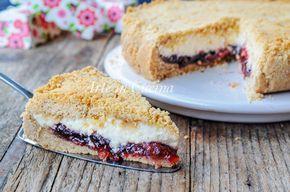 Crostata di biscotti ricotta, marmellata di ciliegie, dolce semplice, ricetta per colazione o merenda, torta morbida, dolce anche per bambini con doppia farcitura