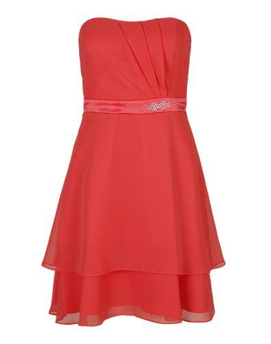 Für festliche Anlässe und glamouröse Abendveranstaltungen ist das Bustierkleid von VM Vera Mont genau das Richtige. Mit Ziersteinen versehen funkelt das Cocktailkleid mit deinem Lächeln um die Wette. High Heels und Clutch dazu kombiniert und fertig ist das Outfit!