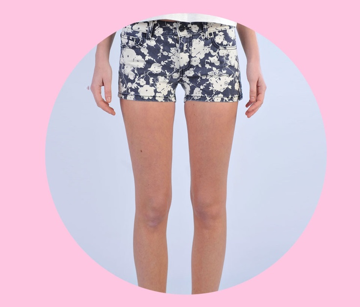 SHOP Tory Burch  http://www.dipierrobrandstore.it/product/2143/Shorts-in-denim-fantasia-floreale-bianca-e-blu.html