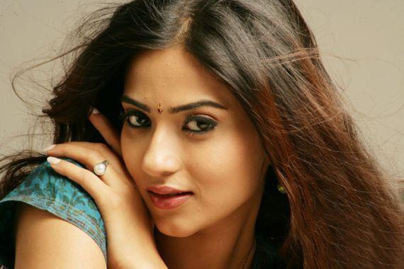 Aditi Sharma Height, Weight, Age, Affairs, Wiki & Facts
