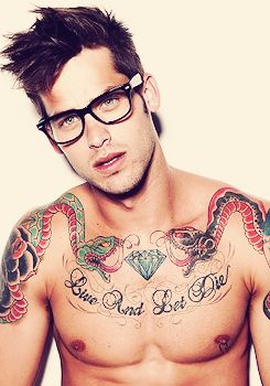 guys with tattoos <3