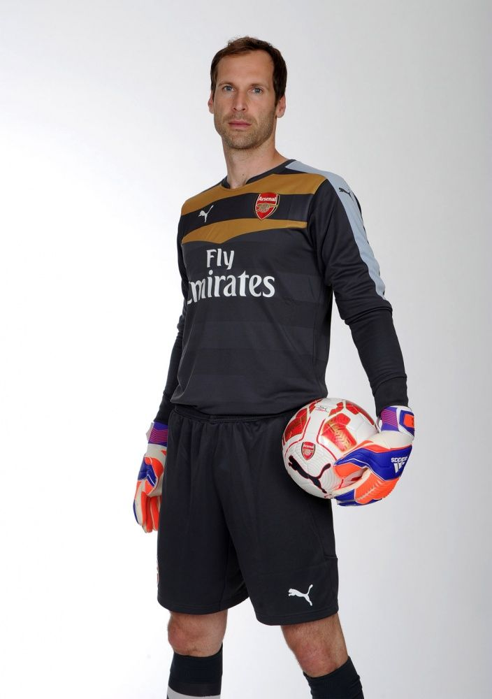 Petr Cech in Arsenal kit