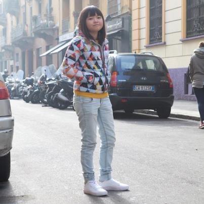 Pomeriggio di sole, jeans e Lacoste LCST Vault Star. La primavera è dietro l'angolo.    Trovate questa e altre proposte Lacoste LCST sul nostro AW LAB online store.