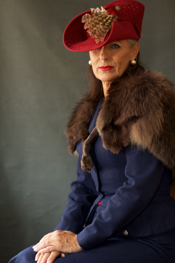 How to Dress for Goodwood Revival: 1950s Vintage - GREAT hat!