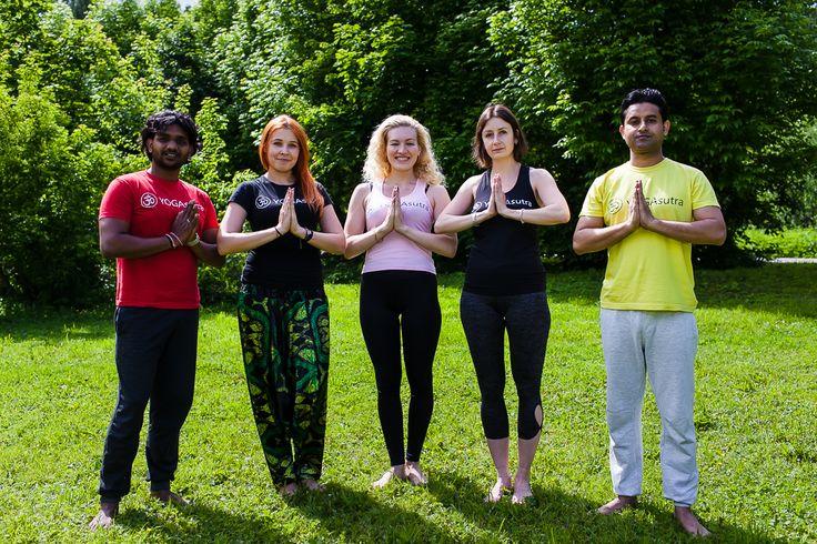 Регулярные занятия йогой в московской школе йоги YogaSutra, основанные на оптимальном сочетании асан (поз) и пранаям (дыхательных упражнений), способствуют улучшению Вашего здоровья