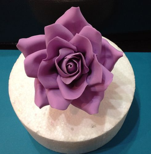 Large Rose Tutorial  http://cakesdecor.com/Cakeage/blog/321