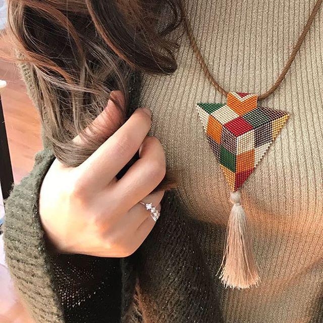 Siz bu bohem kolyelerimizi cok sevdiniz...Biz de keyifle seriye devam ediyoruz...Siparisleriniz icin DM... #miyuki #kolye #bohemianstyle #bohemian #bohemians #püsküllükolye #püskül #haftasonu #iyihaftasonları #tarz #handmadejewelery #handmadewithlove #handmade #style #inciboncuk #siparis