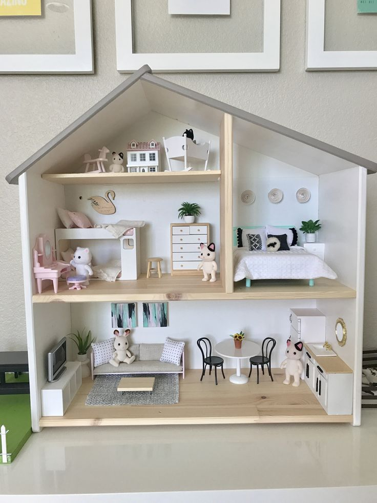 Elena's IKEA Flisat dollhouse is fully furnished! #ikeadollhouse #ikeahack #dollhousemakeover #ikeaflisat