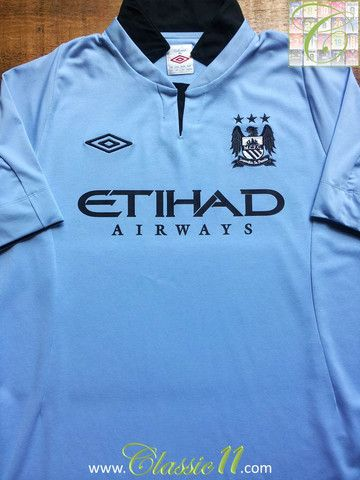 Relive Manchester City's 2012/2013 season with this vintage Umbro home football shirt.