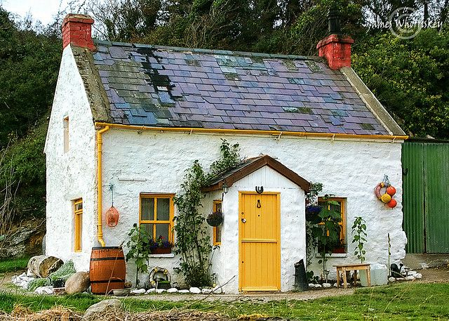Cottage, Inch Island, Donegal, Ireland.  I would be so happy living in this little cottage - drinking tea and herding sheep or something.