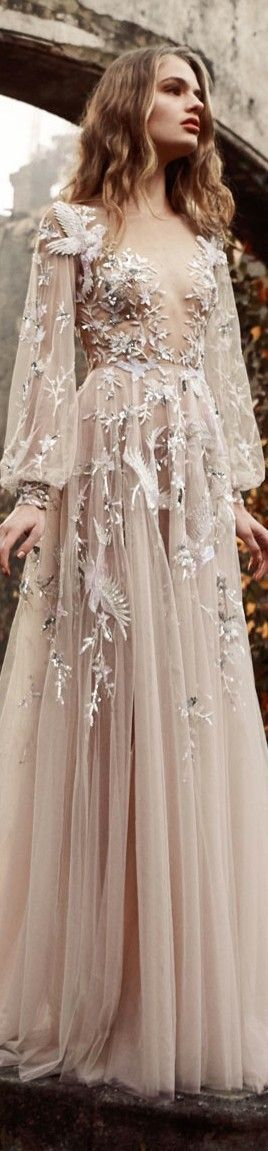 Paolo Sebastian couture 2015/16 | The dress has a squared décolleté, puffy sleeves and strawberry blonde hair.