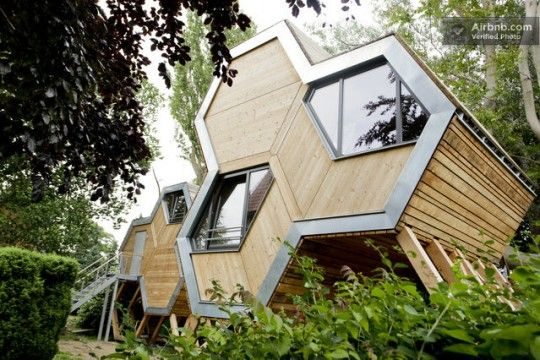 Cabane moderne de forme octogonale