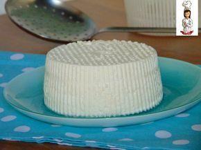 Ricetta Ricotta fatta in casa 1 litro di latte intero (fresco o a lunga conservazione) 3 cucchiai di aceto bianco/ oppure aceto di mele 1 cucchiai
