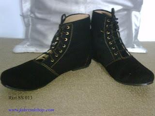 Jual Sepatu Boots Online Modis dan Trendi.  Harga terjangkau, dijamin lebih murah dari yang ada di etalase toko. Model sepatu boots ada disini. Caontak kami untuk fest respont.