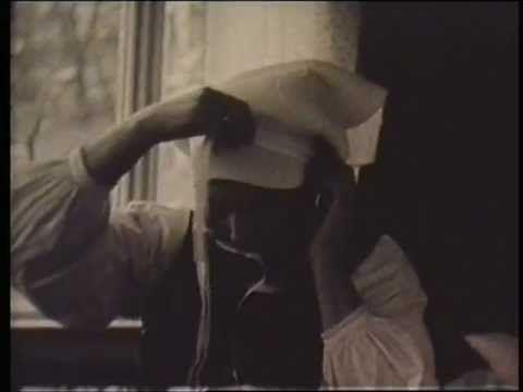 Håroppsetting og skautpåbinding (stumfilm) - YouTube