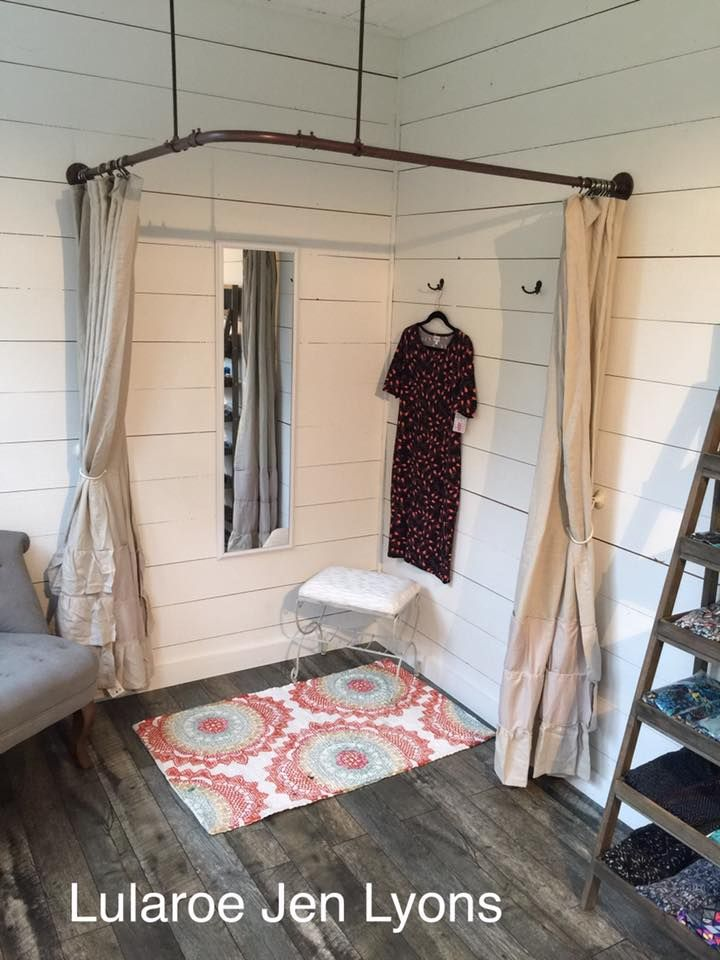 Country themed Lularoom - dressing room made out of electrical pipe material. https://noahxnw.tumblr.com/post/160948429056/hairstyle-ideas