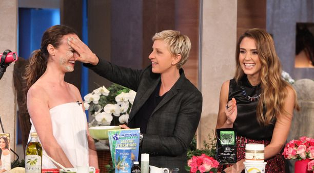 Jessica Alba recently was on Ellen showing how she uses Organic Pure Virgin Coconut Oil in her skin care routine.  Here is the youtube video http://youtu.be/GU8ZEPwprVQ http://calnans.ca/coconutoil/