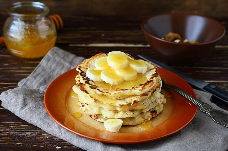 Banana pancakes = 1egg, 1 banana, coconut oil: - mix banana & egg together - option to add cinnamon or coconut flakes - cook on preheated pan on both side until golden brown
