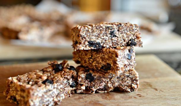 Homemade granola bars - easy, no bake, nut free, vegan