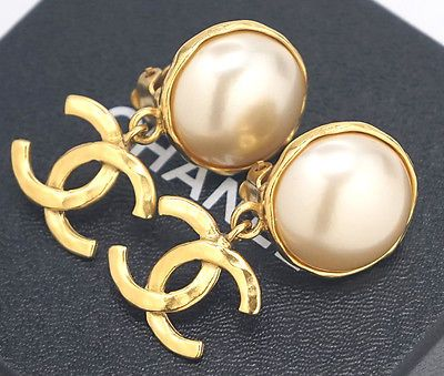 CHANEL CC Logos Pearl Dangle Earrings Gold Tone Vintage 95P w/BOX #731