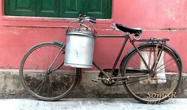 Milk Man's Bike in India (With images) Milk man, Man