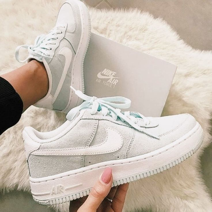 Pin by peyton on [ s h o e s ] in 2020 Nike shoes blue