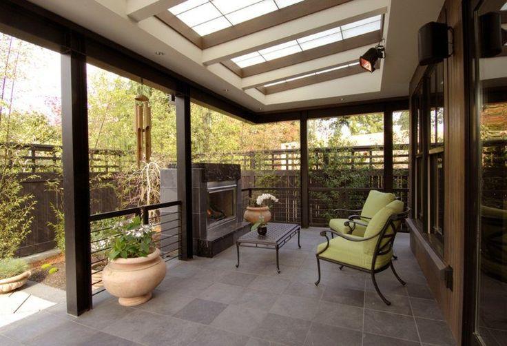 terrasse couverte: construction solide et cheminée extérieure