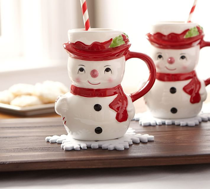I just love all of the decor that comes with this Christmas season. I wanted to Christmas Decorating Ideas: Dinnerware & Serveware