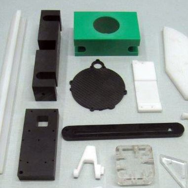 CNC koneistettuja osia Masterplastilta. CNC machined plastic parts from Masterplast.