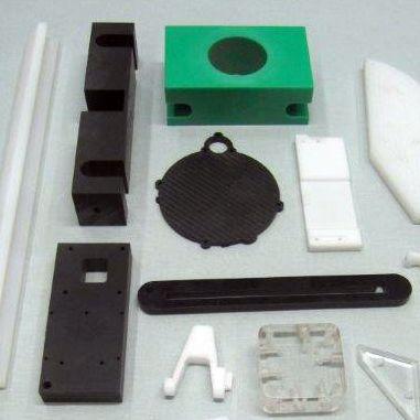 CNC koneistettuja osia Masterplastilta. CNC machined plastic parts from Masterplast.