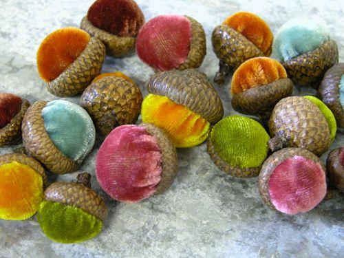 velvet acorns...i need to find these