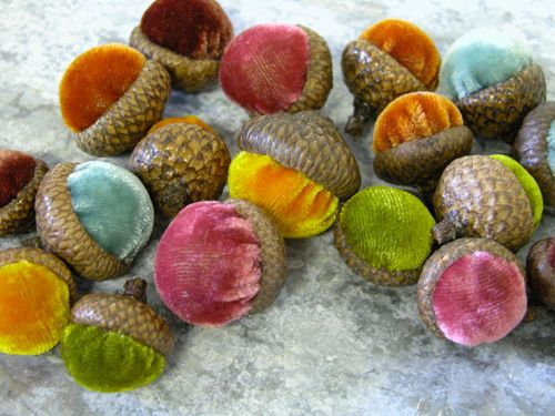 velvet acorns...i need to find these