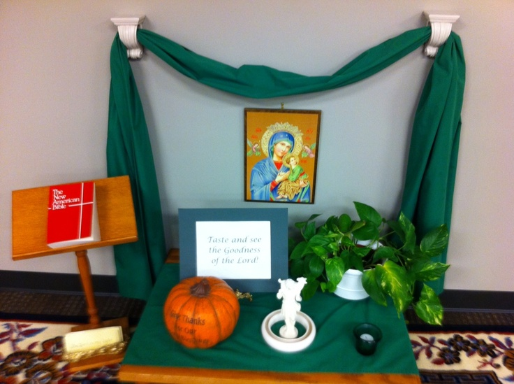Ordinary Time prayer table from the 3-6 atrium of Our Lady of Perpetual Hope in Scottsdale, AZ.