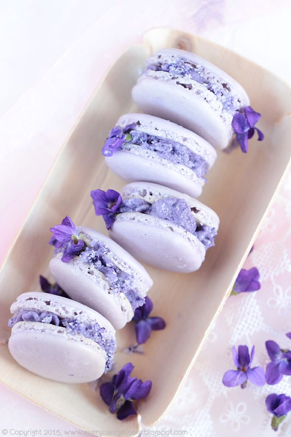 Edible flowers - Violet Macarons http://everycakeyoubake.blogspot.it/2015/04/makaroniki-fiokowe.html