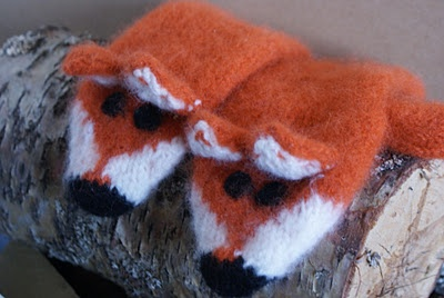 fox mittens.