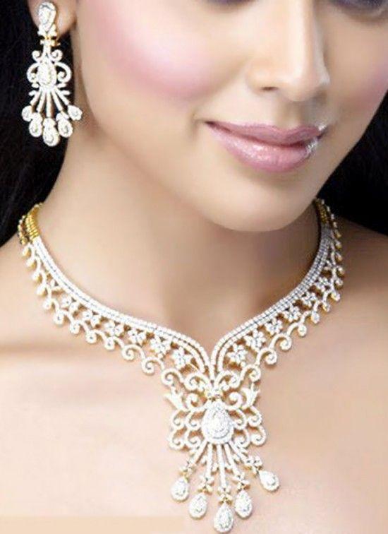 Best Necklace for V Neck Wedding Dress.. #vneckdress, #weddingdresses, #bridaldresses, #weddingnecklace, #necklacedesigns, #wedding