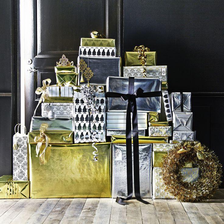 Carte dorate e argentate, per confezionare i vostri regali di Natale più preziosi.